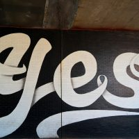 Yes Street Art Wall Dumbo Brooklyn New York City Graffiti Visite Voyage Photo By Blog United States Of Paris